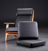 Cushion set for H.J. Wegner's high-backed easy chair by Getama, model GE 290A, black leather