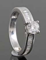Diamond ring in 18kt approx. 0.80ct