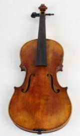 Kinesisk håndbygget 4/4 violin. .