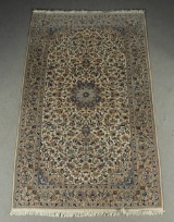 A Persian hand-knotted carpet, Nain, with silk outlines, 263x163 cm