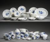 Royal Copenhagen. Blå Blomst Flettet og Kantet service, porcelæn (100)