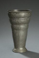 Hertz & Ballin. Skønvirke vase af tin, Dessin nr. 1719