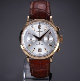 Eberhard & Co. 'Extra Fort Chronograph'. Men's watch, 18 kr. gold with silver-coloured dial, 2000s