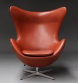 Arne Jacobsen. Lounge lænestol 'Ægget', model 3316 i anilin læder