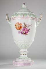 KPM Berlin, vase/lågvase, porcelæn, blomstermønster