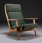 H. J. Wegner. Lænestol, model GE290A,  kraftig slitage på stof