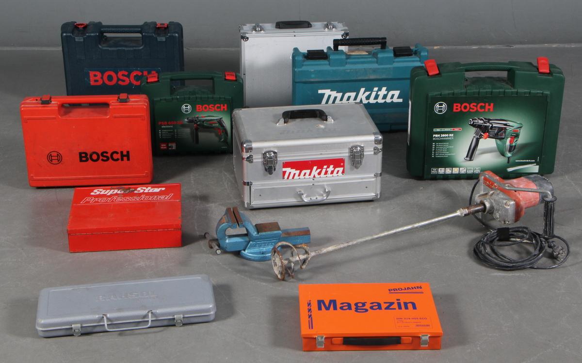 Samling værktøj. Bl.a. boremaskiner - Samling el værktøj. Bestående af flg. dele: Bock cementblander, Bosch PBH 2800 RE, To Makita boremaskiner BDF343 uden oplader, Bosch PSB 650 RE, skruetvinge, Bosch GSB 14,4 VE-2, Makita BTM50, Bosch 1158,7, Samling bor i kasse, samling bor klinge...