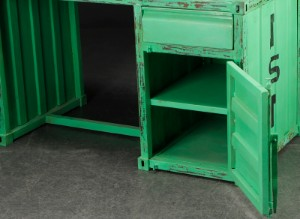 schreibtisch aus gr nbemaltem metall rustikaler container. Black Bedroom Furniture Sets. Home Design Ideas