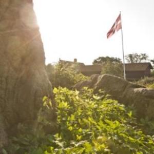 TEAMBUILDINGS WEEKENDs oplevelser på Nordbornholm i forår eller forsommer for 10 personer 3 overnatninger fra torsdag til søndag, i delt dobbeltværelse i tidsrummet den 01-03-2018 til 01-06-2018 - Dk, Næstved, Gl. Holstedvej - I TEAMBUILDINGS CENTER WEEKEND får I:3 overnatninger i delt dobbeltværelse - hvor I hører fuglenes morgensang og bølgernes brus.3 store økologiske morgenmads buffet for 10 personer.Fri parkering. Opholdet består af et  - Dk, Næstved, Gl. Holstedvej