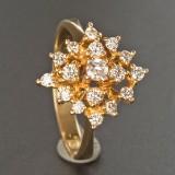 Ring af guld, med diamanter, ca. 0.60 ct.