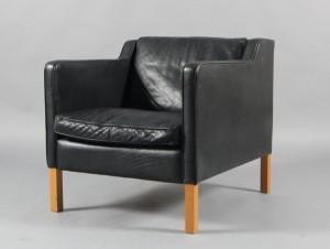 Lænestole - køb og salg af moderne, nyt, antikke og brugte - Stouby Møbler. Lænestol betrukket ...