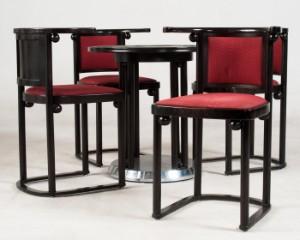 ware 3293811 josef hoffmann tisch 39 fledermaus 39 von wittmann und satz von vier st hlen 5. Black Bedroom Furniture Sets. Home Design Ideas