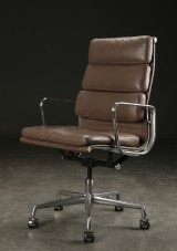 Charles Eames. Soft Pad lounge stol