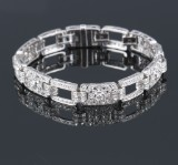 French vintage diamond bracelet, 18 kt. white gold, total approx. 4.65 ct. Mid-20th century