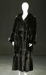 Coat, black mink. Size L.