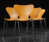 Arne Jacobsen. Fire 'Syver' stole af bøgetræ, model 3107 (4)