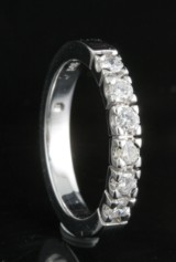 14kt Diamond half eternity ring approx. 0.30ct