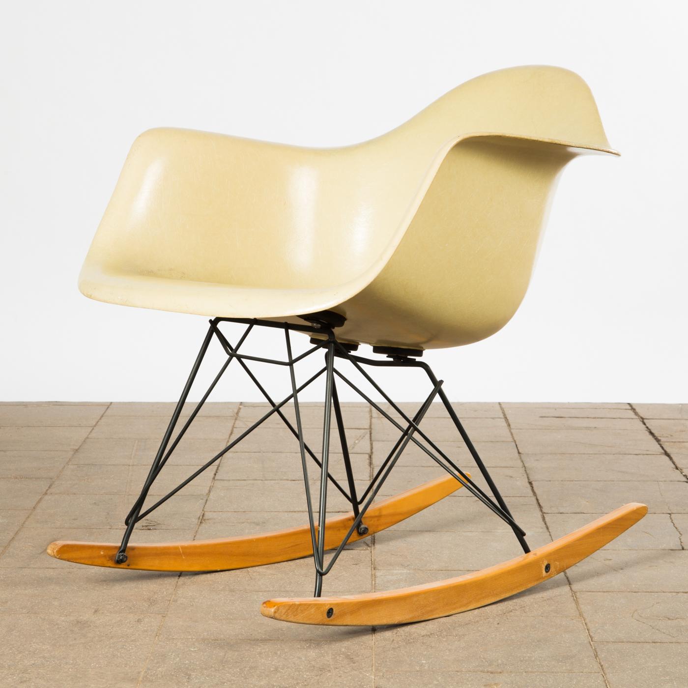 Fantastisch Ray U0026 Charles Eames, A Rocking Chair, Rocker RAR, 2. Series By Zenith  Plastics | Lauritz.com