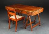 Military style skrivebord samt salonstol, mahogni (2)