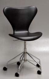 Arne Jacobsen. Office chair, model 3117, aniline leather