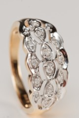Diamantring af 9 kt guld med diamanter