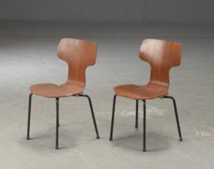 Arne Jacobsen Stoel : Arne jacobsen. barnestol skolestol af teak model 3103 t stol