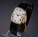 Piaget 'Classic'. Herrenuhr aus 18 kt. Gelbgold mit Originalarmband und Schließe, 1980er Jahre