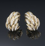 Giovanni Varona. Pair of vintage diamond ear studs in 18 kt. gold and white gold. (2)