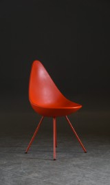 Arne Jacobsen. Stol 3110, 'Drop Chair / Droppen'