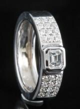 18kt diamond ring approx. 0.65ct
