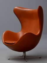 Arne Jacobsen. The Egg from 1965. Lounge chair with cognac Canyon aniline leather