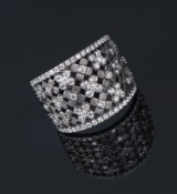 Wide, modern  ring, 18 kt. black rhodium-plated, partially satinated white gold, total approx. 1.50 ct