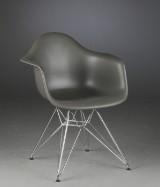 Charles Eames Armstol model DAR