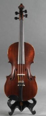Violinbygger C.Larsen, Odense, 4/4 violin (2)