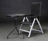 Pulverlakeret cafébord og sammenklappelig havestol (2)