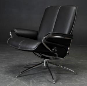 lot 3567046 ekornes stressless l nestol model 39 city 39 2. Black Bedroom Furniture Sets. Home Design Ideas