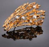 Ole Lynggaard. Vintage brooch, 14 kt. gold with pearls
