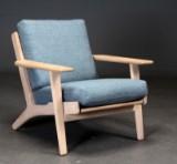 Hans J. Wegner. Lænestol af egetræ, model GE-290