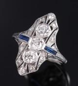 Art deco diamantring af 18 kt. hvidguld, i alt ca. 1.20 ct. 1920-erne