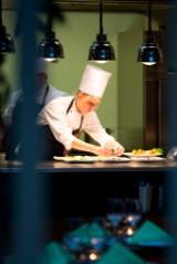 Gourmetophold på Radisson Blu Hotel i Århus samt 2 billetter til Moesgaard Museum - Til fordel for Knæk Cancer 2014