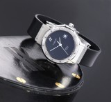 Hublot 'Classic'. Ladies watch, steel with black dial with date