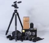Nikon D3100 digitalkamera, 2 stycken objektiv och stativ (4)