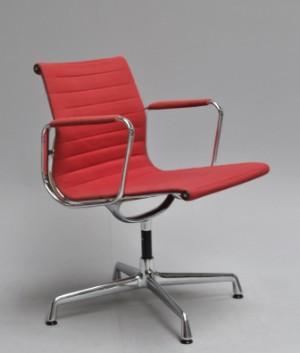 Charles Eames. Kontorstol, model EA-108