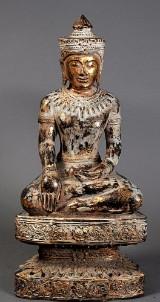 Buddha af udskåret træ m. forgyldning