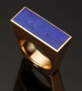 Ring, Hans Hansen. 14 kt guld med lapis lazuli