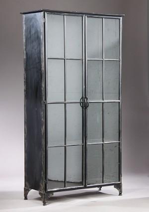 nordal vitrineskab af metal model downtown. Black Bedroom Furniture Sets. Home Design Ideas