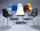 Charles Eames. Acht Schalenstühle, multicolor, Modell DSX (8)