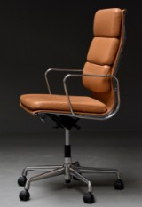 Charles Eames. Office chair, model EA-219, 'Full Leather'