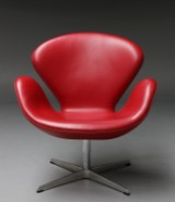 Arne Jacobsen 1902 - 1971. 'Svanen'. Hvilestol, model 3320 med 'Indian Red' Anilin læder