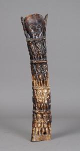 Afrikansk skulptur af udskåret ben/knogle, 20. årh.